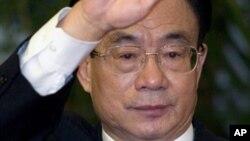 2007年新的政治局常委贺国强会见记者