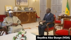 Le président Macky Sall et le Premier ministre Dionne, à Dakar, le 8 avril 2019. (VOA/Seydina Aba Gueye)