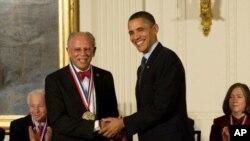 2010. godine predsjednik Barack Obama dodijelio je Warrenu Washingtonu Nacionalnu medalju za znanost