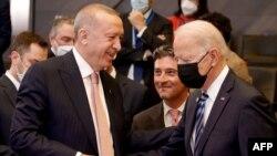 Recep Tayyip Erdogan iyo Joe Biden