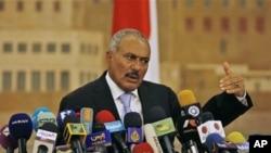 رد ادعاهای کناره گیری رییس جمهور یمن از قدرت