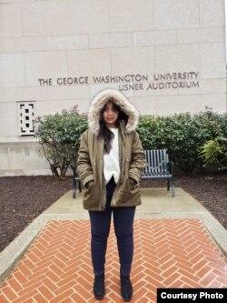 Maryam Nisywa, mahasiswi di George Washington University, melakukan puasa pertama di Amerika tahun ini (foto: courtesy).