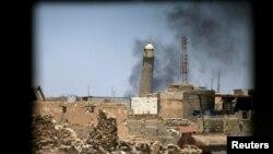 Велика мечеть з мінаретом у Мосулі (вид з вікна будинку у Старому місті