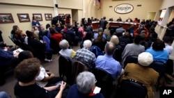 Stanovnici Fergusona u velikom broju na satanku Gradskog saveta