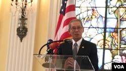 台灣駐美代表高碩泰在捐款儀式上致詞(2017年9月12日,美國之音鍾辰芳拍攝)