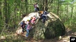Kegiatan luar kelas untuk anak-anak pra-sekolah di Calvary Preschool, Pittsford, negara bagian Vermont. (Foto: Dok)