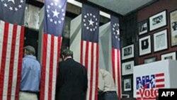 Cử tri đi bỏ phiếu trong cuộc bầu cử sơ bộ ở bang New Hampshire