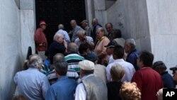 Греція. Черга до банку