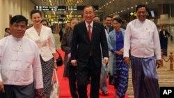 លោក Ban Ki-moon អគ្គលេខាធិការអ.ស.ប. ទៅចូលរួមកិច្ចប្រជុំអាស៊ាននៅទីក្រុងណៃពីដោ ប្រទេសភូមា 