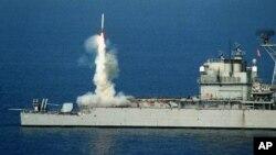 Запуск крылатой ракеты с корабля ВМС США. Архивное фото.
