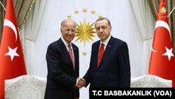 Potpredsednik SAD Džozef Bajden i predsenik Turske Redžep Tajip Erdogan tokom susreta u Ankari