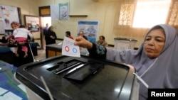 Lebih 90 persen pemilih Mesir yang ikut dalam referendum selama dua hari menyetujui rancangan konstitusi (15/1).