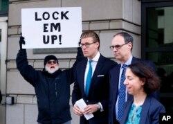 Alex van der Zwaan leaves Federal District Court in Washington, Tuesday, April 3, 2018.