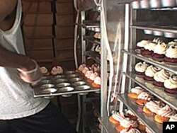 Curbside Cupcake's co-owner says he sells 1,000 cupcakes each day.