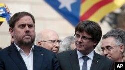 El Gobierno de Cataluña celebró una reunión a puerta cerrada el lunes para discutir los próximos pasos en su plan para declarar la independencia de España después de un referéndum disputado marcado por la violencia.