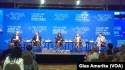 """Beogradski bezbednosni forum, panel diskusija """"Beograd i Priština - sveobuhvatna normalizacija"""", Foto: VOA"""