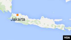 Pusat gempa adalah 68 kilometer dari selatan-barat daya desa Bunisari di Cianjur, Jawa Barat.