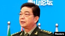 창완취안 중국 국방부장이 11일 베이징에서 열린 샹산포럼에서 기조연설을 하고 있다.