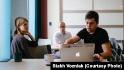 Подружжя Наталія Возняк (COO) і Стах Возняк (CEO) під час Iowa Startup Accelerator