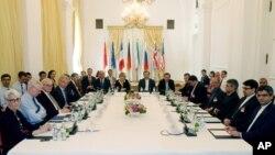 مهلت نهایی برای توافق در مورد برنامۀ هسته یی ایران فردا سه شنبه است