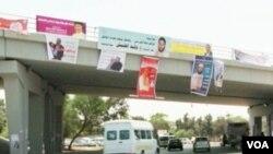 I to se konačno desilo: Izborni posteri, a nigdje Gadhafijeve slike