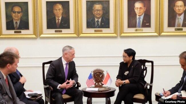 Bộ trưởng Quốc Phòng Jim Mattis tại Jakarta, ngày 22/1/2018 (Foto courtesy: Kemlu RI).