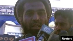 Tersangka serangan teroris Mumbai, Zaki-ur-Rehman Lakhvi berbicara pada media, April 2008.