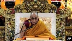 达赖喇嘛在印度达兰萨拉的寺庙里