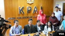 Komisi Perlindungan Anak Indonesia (KPAI) mengggelar konferensi pers terkait kasus kejahatan seksual yang menimpa anak di sekolah (foto: dok).