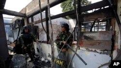 印尼軍人在一次鎮壓監獄暴亂行動中(2013年7月12日)