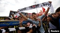 Demonstranti na Taksim trgu u Istanbulu