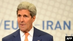 7月15日,美国国务卿克里在奥地利维也纳伊朗核项目谈判之后举行的最后一次记者招待会上讲话。