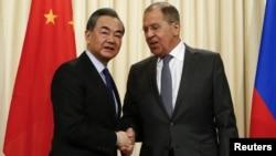 Hai nhà ngoại giao hàng đầu của Nga và Trung Quốc trong một cuộc hội đàm hồi đầu tháng này.