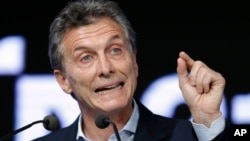 Tổng thống Argentina Mauricio Macri đang bị áp lực buộc từ chức vì vụ rò rỉ Hồ sơ Panama.