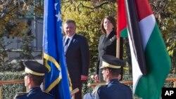 Predsednica Kosova Atifete Jahjaga i kralj Jordana Abdulah tokom njegove posete Kosovu, 17. novembar 2015.