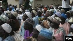Des déplacés fuyant des attaques répétées de Boko Haram s'installent dans un camp à Bama, état de Borno, Nigeria, 12 mai 2015.