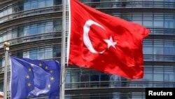 ترکیه از برخی اقدامات شماری از کشورهای اتحادیۀ اروپایی به ویژه آلمان ناراض است