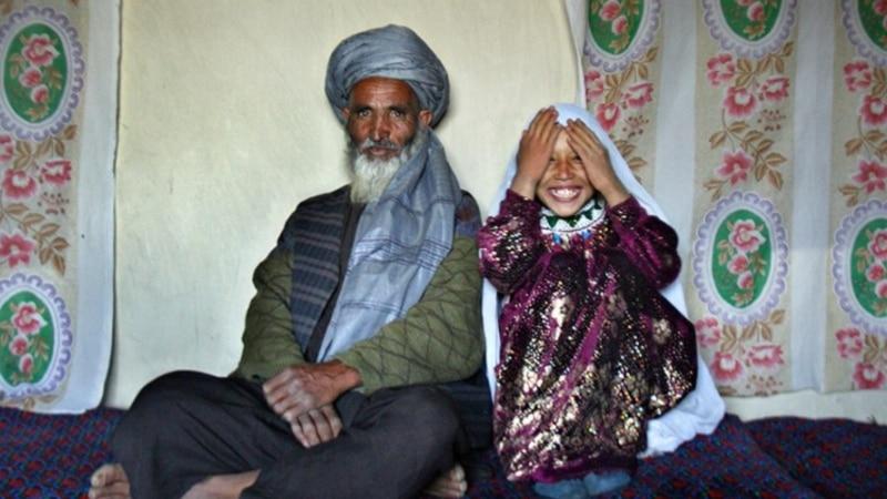 په افغانستان کې ٥٧ فیصده نجونې په کم عمر ودیږي