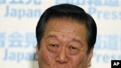 ທ່ານ Ichiro Ozawa ຈາກພັກປະຊາທິປະໄຕຍີ່ປຸ່ນ ທີ່ຖືກຟ້ອງຮ້ອງ ໃນຂໍ້ຫາ ຍັກຍອກເງິນ. (AP Photo/Shizuo Kambayashi)