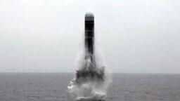 Một vụ phóng tên lửa của Triều Tiên.