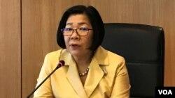 លោកស្រី Busadee Santipitaks អគ្គនាយកនៃអគ្គនាយកដ្ឋានព័ត៌មានក្រសួងការបរទេសថៃ នៅក្នុងសន្និសីទសារព័ត៌មានជាមួយអ្នកយកព័ត៌មាននៅក្នុងតំបន់ក្នុងកម្មវិធី Reporting ASEAN នៅថ្ងៃទី ២៥ ខែមេសា ឆ្នាំ ២០១៩។ (កាន់ វិច្ឆិកា/ VOA)