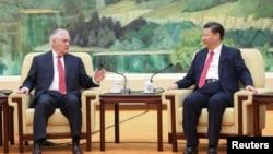 中国主席习近平和美国国务卿蒂勒森在北京人民大会堂会晤(2017年3月19日)