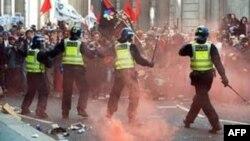 Scena sa ovonedeljnih uličnih nemira u Londonu