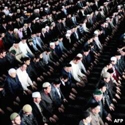 Nazran, Ingushetiyaning eng yirik shahridagi masjidda juma namozi