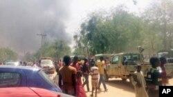 Mutane sunyi dafifi kewaye da inda boma-boman ya tashi a Maiduguri.