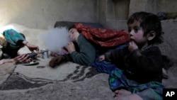 """د نشه يي توکو پر وړاندې د مبارزې وزارت مرستیال محمد ابراهیم وایي """" د ۱۱۰ نه تر ۲۵۰ زرو پورې میرمنې په افغانستان کې په نشه يي توکو روږدي دي"""""""