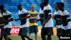 L'équipe camerounaise en pleine préparation, au stade Dunasa Natal, 12 juin 2014.