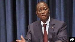 Shugaban kasar Ivory Coast Alassane Ouattara lokacind ayake magana da manema labarai a majalisar dinkin duniya,watan jiya.
