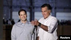 Mitt Romney and Marco Rubio juntos en abril de 2012