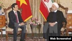 Chủ tịch nước Trương Tấn Sang hội đàm với Tổng thống Iran Hassan Rouhani. (Ảnh: Nguyễn Khang/TTXVN). Ảnh chụp màn hình trang web vietnamplus.vn